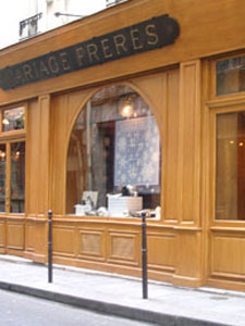 The shop at 30, rue du Bourg-Tibourg