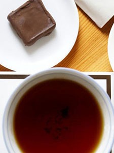 Tea and chocolate are a tasty and heart healthy combo