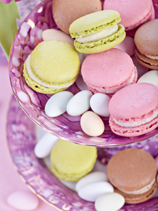 Use food coloring for spring pastels