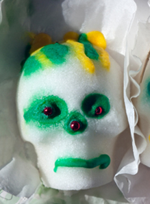 Dress up your sugar skulls with edible decor!