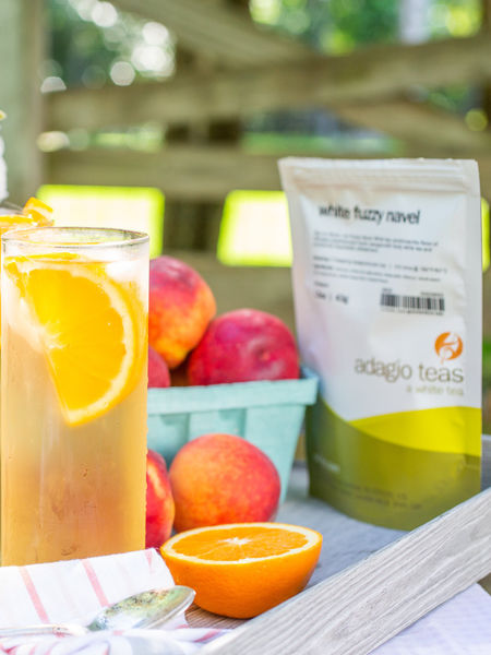Add flavor with juice. Lemonade or orange juice expands the quantity and enhances the flavor of iced tea.